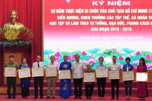 Quận Thanh Xuân: Nhân rộng các điển hình tiên tiến học tập, làm theo Bác