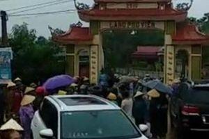 Vụ dân vây côn đồ đập phá cổng làng: Đang làm rõ đối tượng cầm đầu