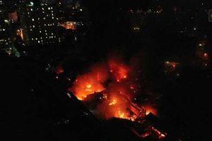 Cử cán bộ Y tế đến từng hộ dân sau 'vụ cháy Rạng Đông': Chưa ghi nhận trường hợp nào ảnh hưởng đến sức khỏe