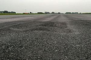 Sân bay Nội Bài sẽ tạm đóng một đường băng để sửa chữa gấp