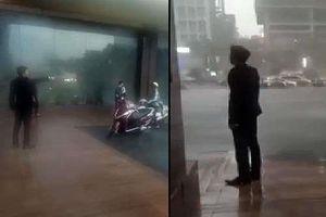 Bị tố đuổi người trú mưa ở sảnh, khách sạn Grand Plaza nói gì?