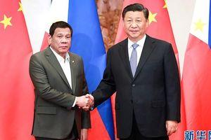 Chủ tịch Trung Quốc gặp Tổng thống Philippines bàn khai thác dầu khí