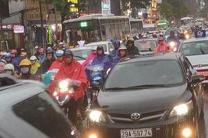 Hà Nội: Mưa to khiến nhiều tuyến đường ùn tắc nghiêm trọng trước ngày nghỉ Quốc khánh