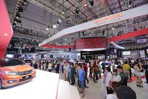Xe nhập khẩu nguyên chiếc về Việt Nam giảm mạnh