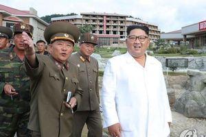 Ông Kim Jong Un lần đầu thăm thực địa sau khi củng cố quyền lực