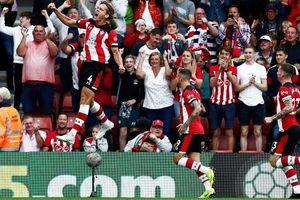 Man United hòa thất vọng Southampton 1-1