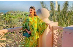 Mang thai tháng thứ 6 Lan Khuê vẫn khoe vẻ quyến rũ tột độ cùng chồng sang Dubai du lịch