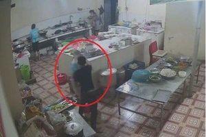 Bắt được kẻ tạt axit nữ nhân viên phụ bếp ở Hòa Bình