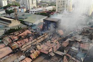 Người dân gần vụ cháy kho Rạng Đông cần tẩy rửa tường, sàn nhà ngay