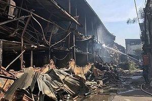 Không khí xung quanh khu vực cháy Công ty Rạng Đông đều nằm trong giới hạn cho phép