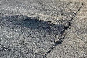 Chỉ đạo nổi bật: Yêu cầu báo cáo về tình trạng xuống cấp đường băng sân bay Nội Bài