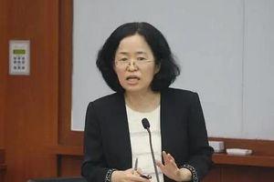 Dư luận Hàn phẫn nộ vụ nghị sĩ chỉ trích nữ giáo sư vì không có con