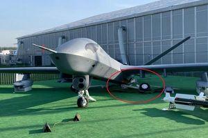 Máy bay UAV Trung Quốc 'gãy chân' ở Nga, nghi do trẻ nhỏ leo trèo