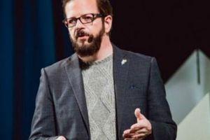 Nhà báo công nghệ Stewart Rogers: Hãy chơi thoải mái như đứa trẻ, độ lượng hơn với bản thân