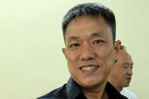Lê Linh tươi cười khi đòi được quyền tác giả Thần đồng đất Việt