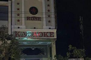 Đột kích quán karaoke, phát hiện 15 nam nữ thanh niên đang 'bay lắc' ma túy