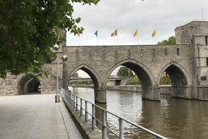 Tiếc nuối cầu Pont des Trous thế kỷ 13 bị dỡ bỏ