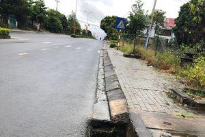 Kon Tum: Hàng chục nắp sắt hố ga trên đường Hồ Chí Minh bị mất