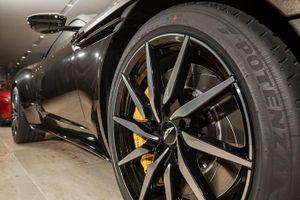 Siêu xe Aston Martin DB11 màu độc có giá 16 tỷ tại Việt Nam đã có chủ
