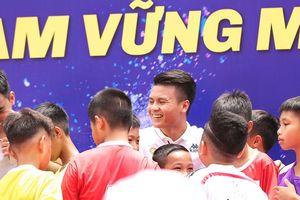Văn Quyết, Quang Hải sẽ trở thành 'đại sứ thắp lửa ước mơ' cho học sinh thủ đô