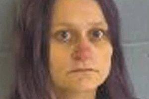 Người mẹ buôn ma túy bị kết án 99 năm tù vì giấu thi thể của con trai trong tủ lạnh của khách sạn