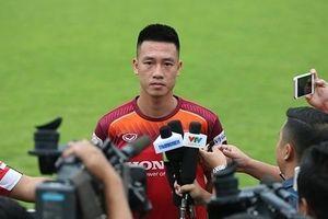 Tiền vệ Huy Hùng: 'Chúng tôi đã tìm ra cách để bắt chết Messi Thái Lan'