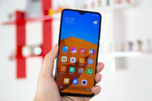 Smartphone camera 64 MP đầu tiên về Việt Nam, giá 5,5 triệu