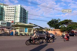 Cằn lắp đặt đèn tín hiệu giao thông trước Bệnh viện Phụ sản - Nhi Đà Nẵng