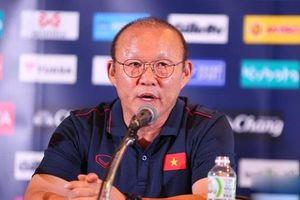 HLV Park Hang-seo lên tiếng yêu cầu phóng viên Thái Lan lịch sự