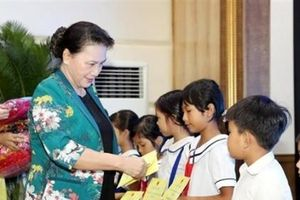 Chủ tịch Quốc hội Nguyễn Thị Kim Ngân thăm làm việc tại tỉnh Đồng Tháp