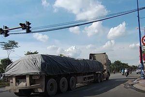 Xe container 'lướt qua' CSGT ra vào đường cấm: Phòng CSGT vào cuộc xác minh, xử lý