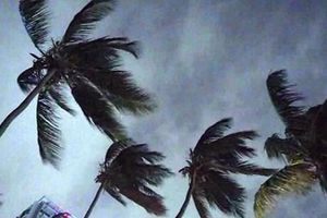Cận cảnh siêu bão Dorian khiến nước Mỹ điêu đứng