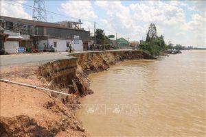 Sạt lở ở Tiền Giang đang diễn biến phức tạp