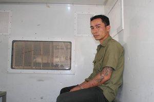 Khởi tố, tạm giam 4 tháng kẻ tạt axit vào mặt nữ phụ bếp ở Hòa Bình