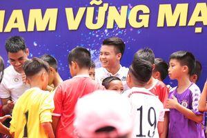 Lần đầu tiên có một chương trình xã hội quy tụ dàn sao của tuyển Việt Nam