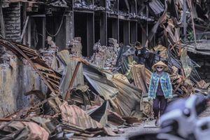 Hiện trường vụ cháy nhà máy Rạng Đông được quây bạt