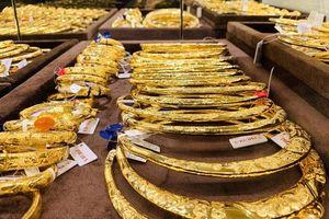 Giá vàng tăng vọt tiến sát ngưỡng giá cao nhất 6 năm qua