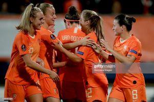 Tuyển nữ Hà Lan vùi dập Thổ Nhĩ Kỳ trên sân đấu của đội bóng Văn Hậu