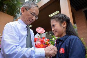Lễ khai giảng mang tên Nguyệt Linh ở ngôi trường không thả bóng bay