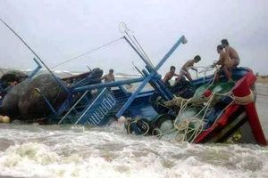 Chìm tàu cá, 1 người chết và 5 người mất tích