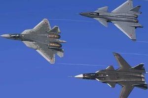 Sự thực Su-57 biểu diễn cùng Su-47 và MiG-144 gây xôn xao
