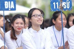 Những hình ảnh học sinh, sinh viên cả nước khai giảng năm học mới