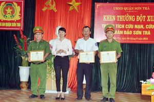 Khen thưởng thành tích cứu nạn cứu hộ trên bán đảo Sơn Trà