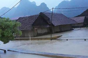 Hàng nghìn nhà dân bị ngập lụt tại Quảng Bình