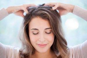 Không chỉ thư giãn, massage da đầu còn có lợi ích này