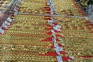 Giá vàng hôm nay 5/9: Vàng 9999, vàng SJC vượt mốc 43 triệu đồng/lượng và sẽ còn tăng cao hơn nữa