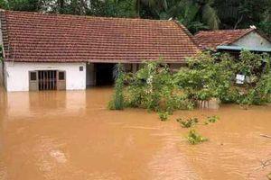 Ngập lụt, sạt lở, thiệt hại nặng do mưa lũ kéo dài