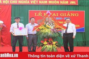 Trường THCS Hoằng Châu khai giảng năm học và đón Bằng công nhận trường đạt chuẩn Quốc gia