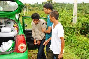 Hai đối tượng dùng súng cướp taxi sa lưới sau gần một giờ gây án