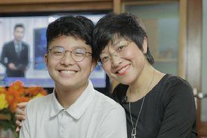 Ngày khai giảng, MC Thảo Vân viết bưu thiếp nhắn con trai điều gì?
